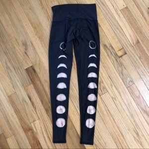 RARE 🌓🌑🌗 EUC Teeki moon hot pants sz xs